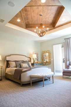 2015 Parade Owner's Bedroom
