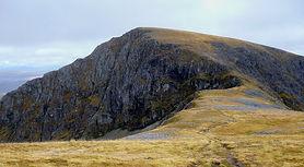 An cul Choire Headwall aonach beag