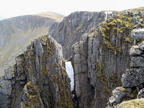 Lochnagar Multi-Pitch Climbing Experience