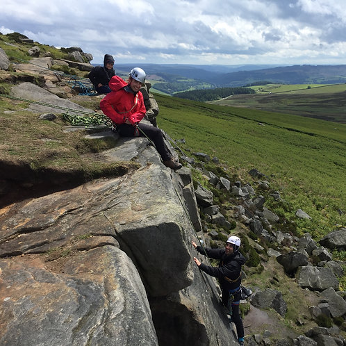 Outcrop Climbing Intro Skills Course