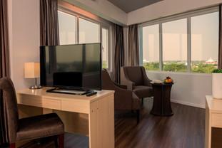 Enjoy Pagoda View from Wyne Suite