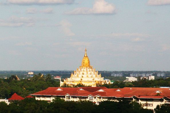 Swe Taw Pagoda From Wyne Suite