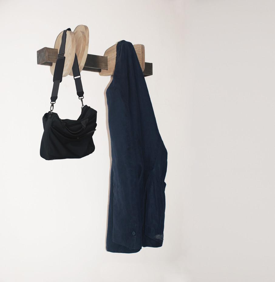 SAGOMA Wall mounted clothes rack