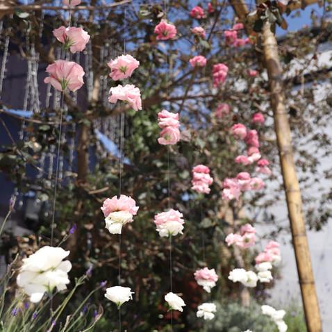חופה עם פרחים