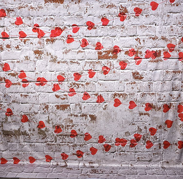 valentine_background_hearts_brick_wall_c
