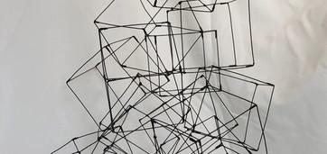 Cubes 3  Fil de fer recuit 1,2mm Cubes 10 x 10 cm H 62 L 37 P 37  réservé