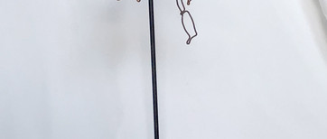 Abeille n°2  Fil de fer recuit 1,2 mm sur socle L 48 H 48 cm  95 euros