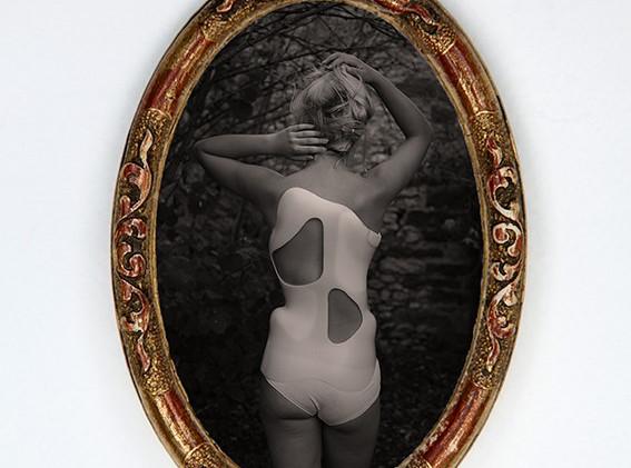 Jeune fille au corset