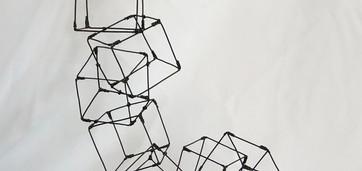 Cubes 4  Fil de fer recuit 1,2mm Cubes 5 x 5 cm H 47 L 28 P 16  réservé