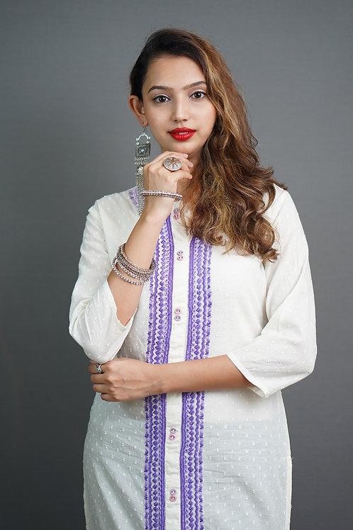 Off-White Straight Kurta with Aari Hand Embroidery