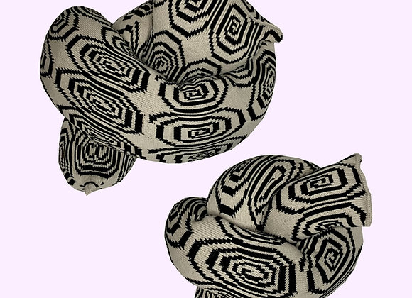 Spiral Knot Oatmilk & Black