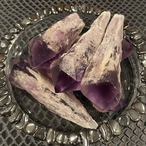 Large Amethyst Points
