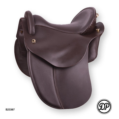 1084 Quantum with Dressage Flap