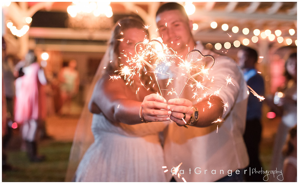 tallahassee-wedding-photographer-the-sace-at-feather-oaks-sparkler