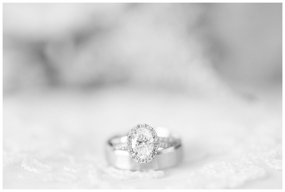Cat-Granger-Photography-Wedding-photographer-summer-2019-details-kay-jewelry-wedding-bands-macro