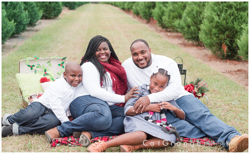 HOLIDAY CARD MINI SESSION - THE LUCAS FAMILY