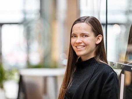"""Linda Mäkinen: """"Tärkeintä on pienet ilon hetket arjessa"""""""