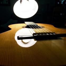 Buffed 💪🏼 #frenchpolish #guitarfinishi