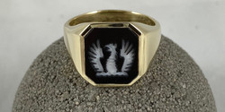 GRIFFIN STONE SIGNET. RING.jpeg