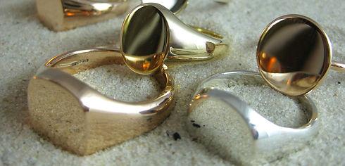 Plain Undecorated signet ring.jpeg