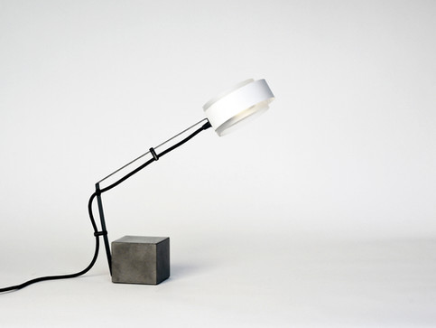O-votto Table Lamp