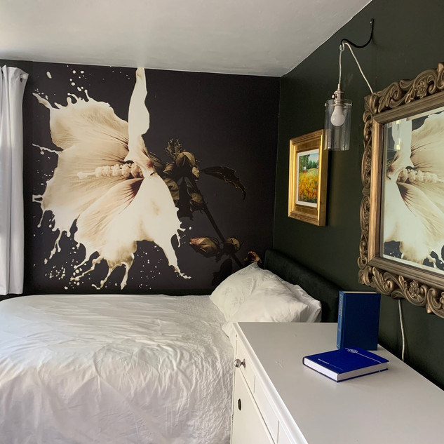 'Milk Flower' with double bed in north double room