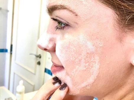 Você sabia que é possível limpar e tratar a pele ao mesmo tempo?