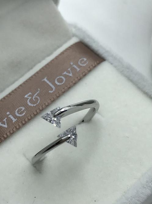 Little arrow ring