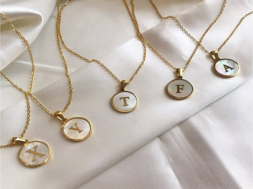 Initial A-Z Necklace with Natural Shell Pendant (JW01020)