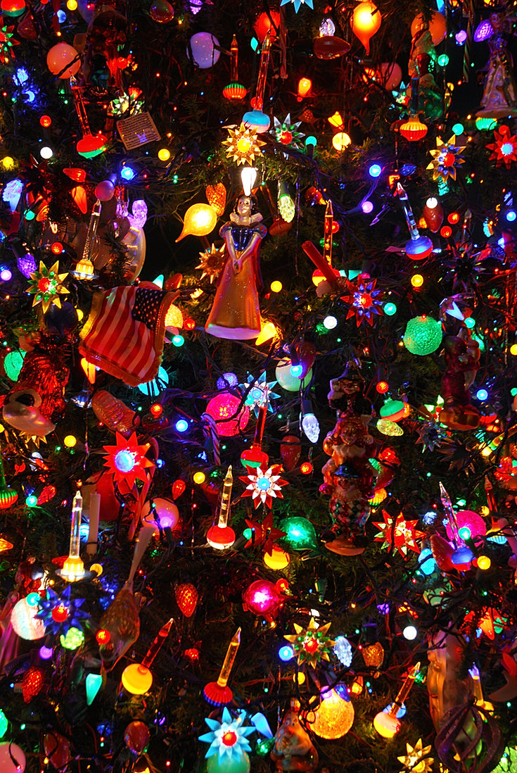 colorful bubble lights on the tree - Christmas Tree Bubble Lights