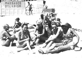 Sunbathing_in_1946
