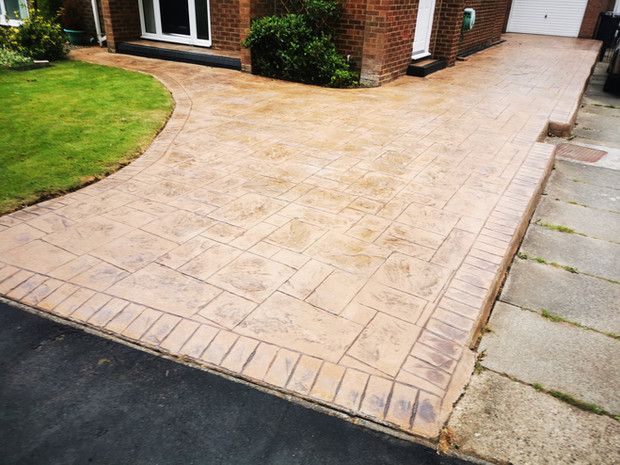 Imprinted Concrete driveway pressure wash & re-seal with SmartSeal Sealant