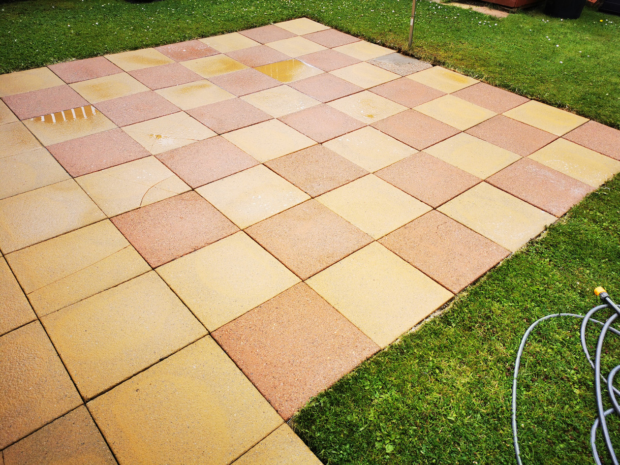 Flagstone Patio Clean with pressure wash and stoftwash