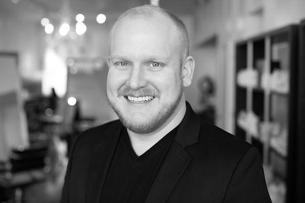 Caleb Herron, Hair Stylist at Trianon Salon in Chicago