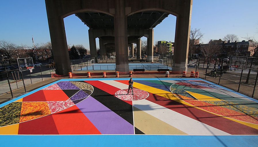 A-basketball-court-in-Queens_theartgorge