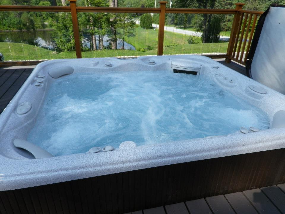 Main house hot tub.jpg