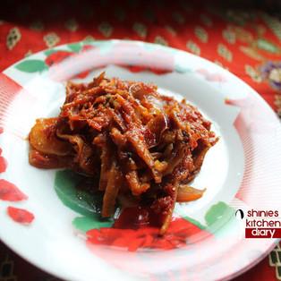 Sambal Ikan Bilis (Anchovies with Sambal gravy)