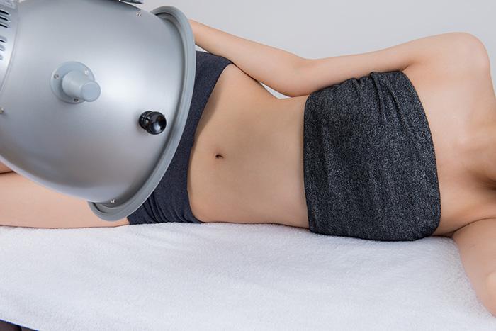 臥位にて腹部を照射