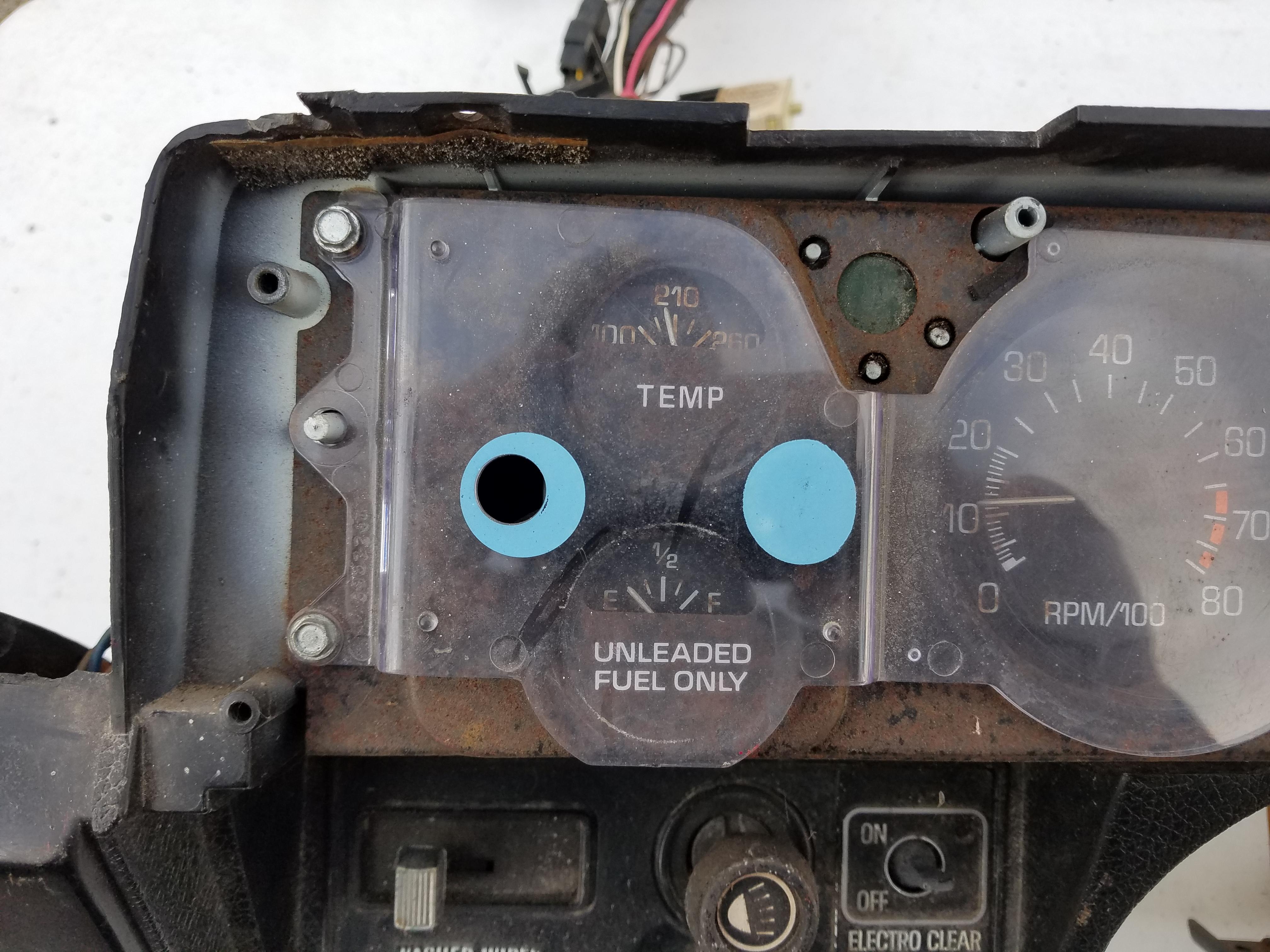 up close gauge face