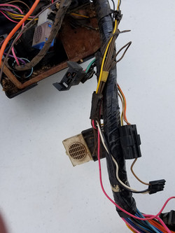 seatbelt and key noise relays