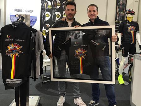 Joaquim Rodríguez entrega en Firesport maillot de La Purito dedicado a E.Leclerc Punt de Trobada
