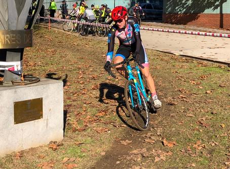 Roger Delgado 5º y Enric Bregolat 11º en el Ciclocross de Promocion de Santa Coloma de Farnés - Infa