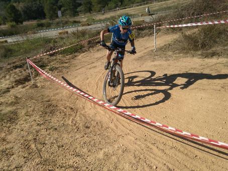 Gerard Mora, Enric Bregolat y Anna Carrerras suben al podio en el ciclocross de Masquefa