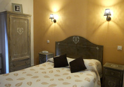 chambre confort jaune gris