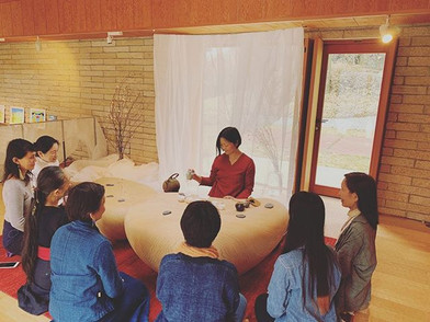 tea space _Tsuchi_ by _kojitsukyo . and