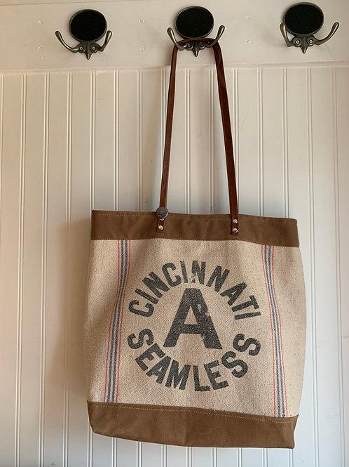Cincinnati Seamless Carry All Tote