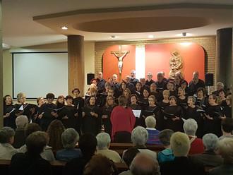 Uretamendi, en fiestas, acogió un concierto de nuestra coral