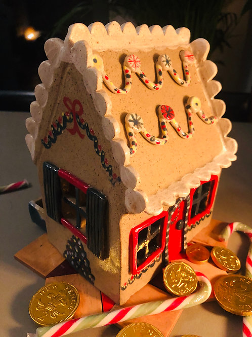 Family Ceramics Gingerbread House Course