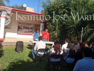 Entrega de Becas para los estudiantes del Instituto José Martí