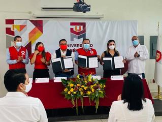 Firman convenio de colaboración Universidad José Martí y Cruz Roja Mexicana Delegación Colima
